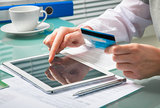 兴业|悠系列白金信用卡正确打开姿势